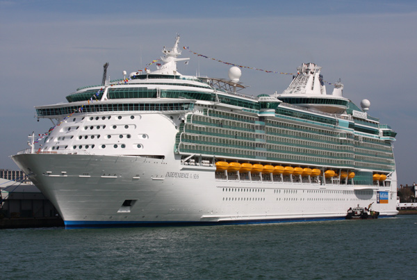 Norwegian Pilots seized the Independence of the Seas for unpaid fees