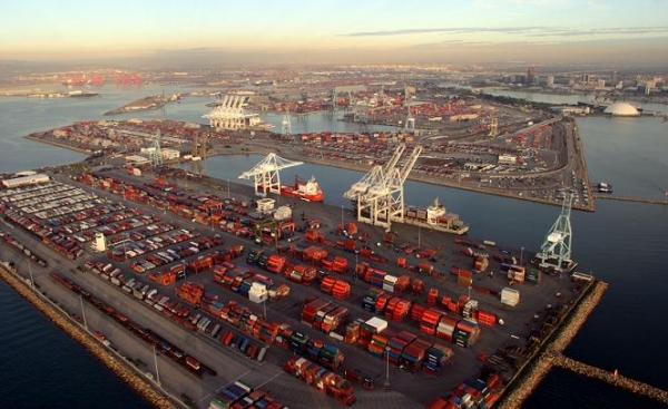 Long Beach approves in principle conditional eco-cargo incentives