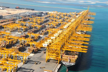 Women to operate most of rail-mounted gantries at Jebel Ali terminal