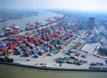 Shanghai port's June box volumes rise 11pc to record 3.06m TEU