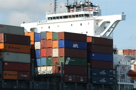 Transatlantic box volumes increase in May, as freight rates decline