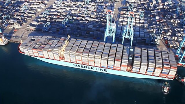 Mary Maersk sails from Algeciras to Tanjung Pelepas with record load