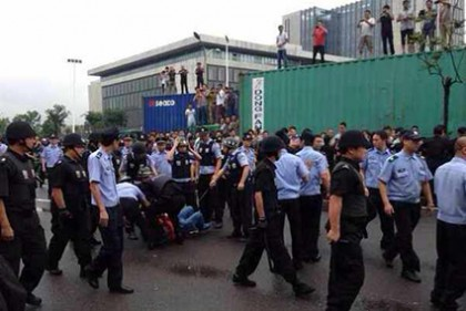 Normal port operations at Ningbo resume after violent truckers' strike