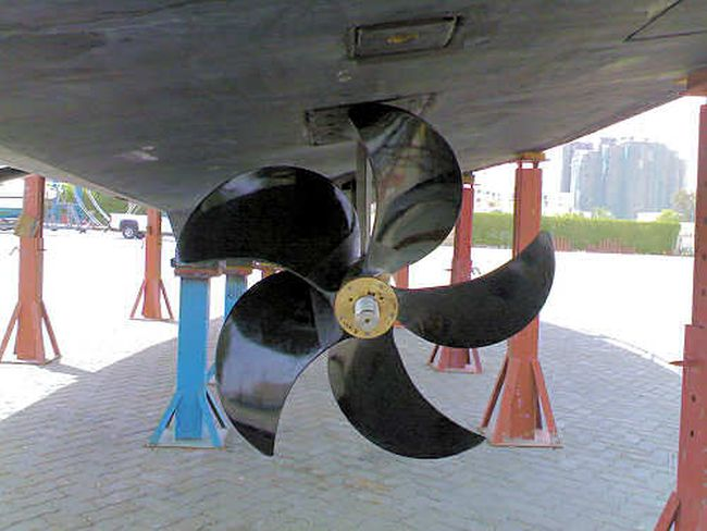 First Carbon Fiber Main Propeller Installed On a Merchant Ship