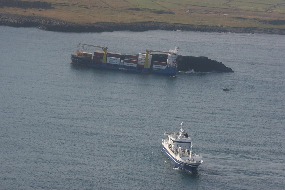 Freighter Samskip Akrafell grounded and refloated