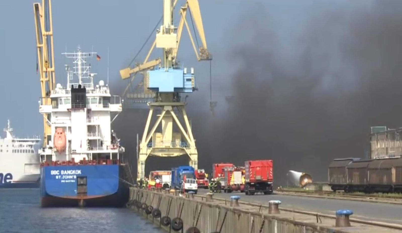 "Cargo fire onboard ""BBC Bangkok"" in the port of Rostock"