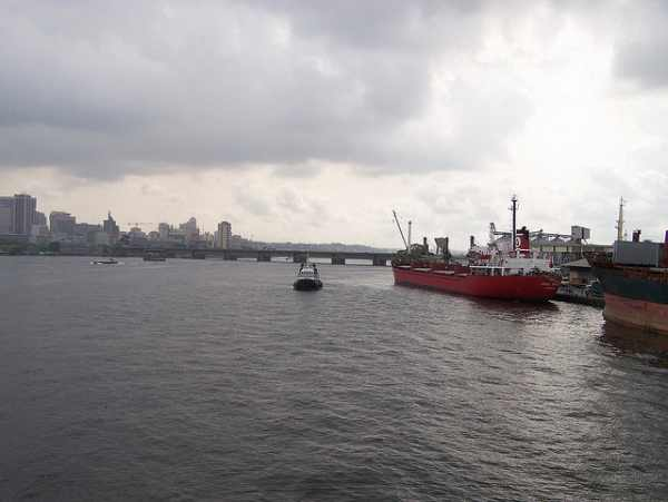 Abidjan clears suspect Ebola ships offshore before allowing them in port