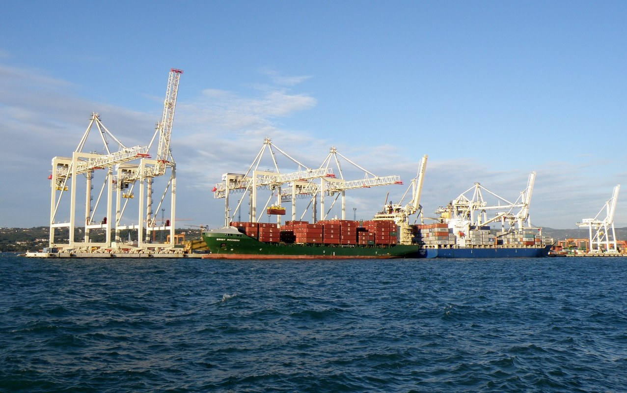 Slovenia's Koper port expansion now can accommodate 10,000-TEU ships