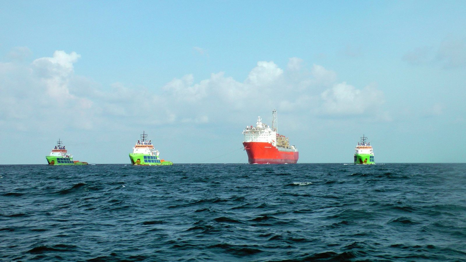 Fairmount tugs succesfully delivered FPSO Petrojarl Knarr to Norway