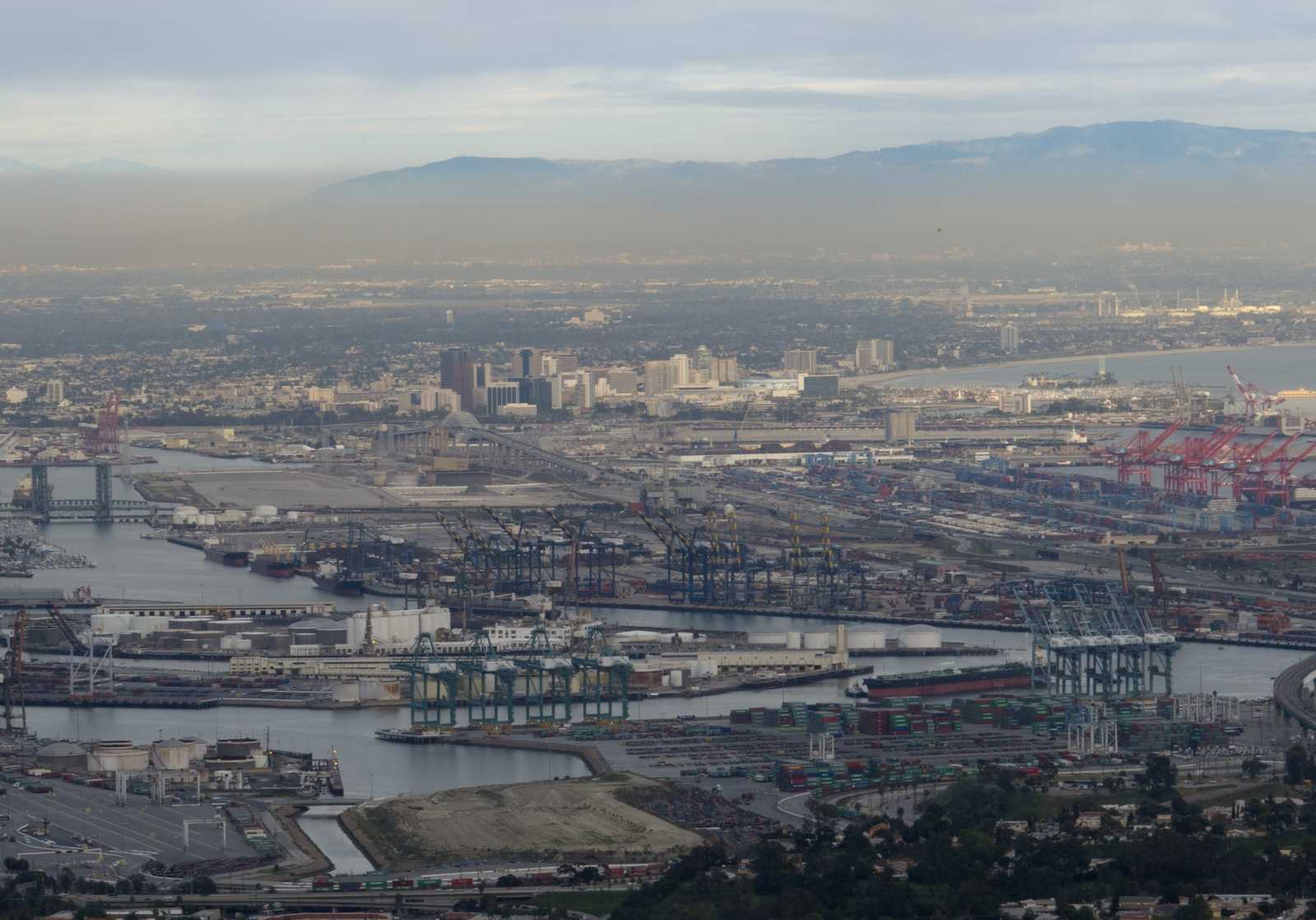 Air Pollution Falls At Long Beach Since 2005 As Green Efforts Mount