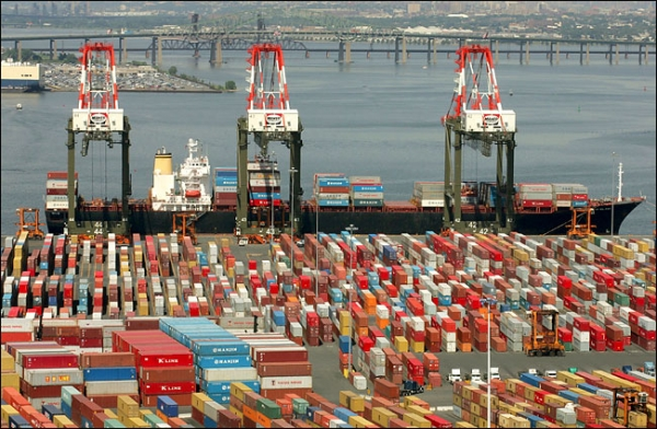 Tangled chassis positioning, transfers big headache for NY/NJ ports