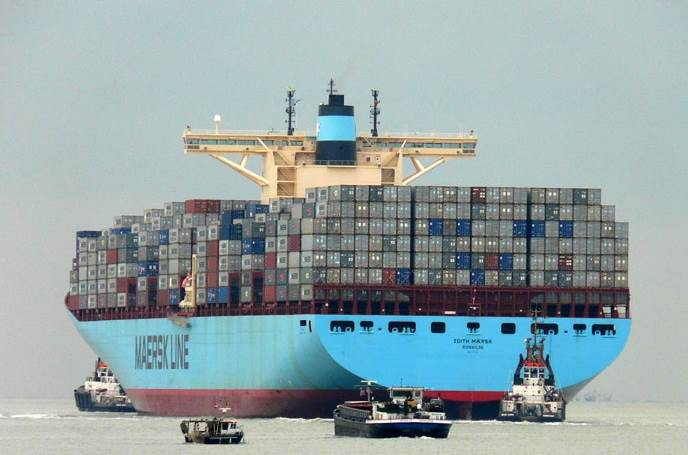 EDITH MAERSK: THE LARGEST SHIP EVER ON THE THAMES