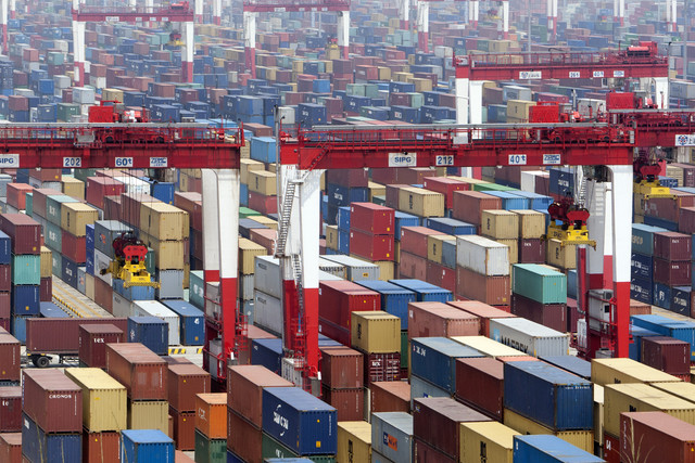 China's exports up 15.3pc, imports up 7pc in September