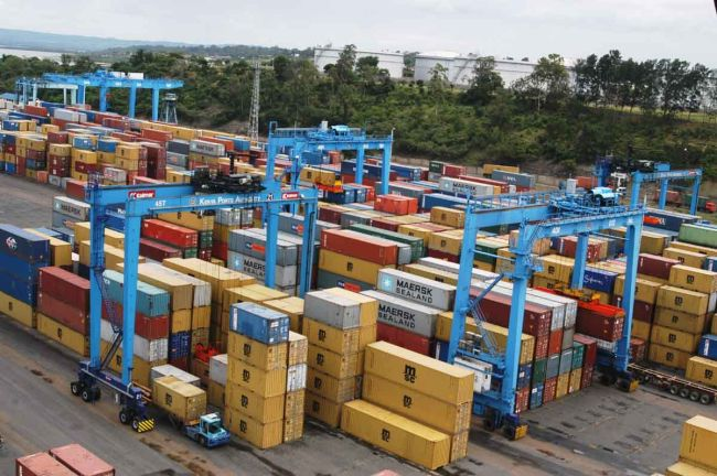 Inchcape Shipping Services unloads 7 RTGs at Port of Mombasa