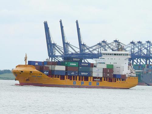 CMA CGM buys Oldenburg-Portugiesische Dampfschiffs-Rhederei