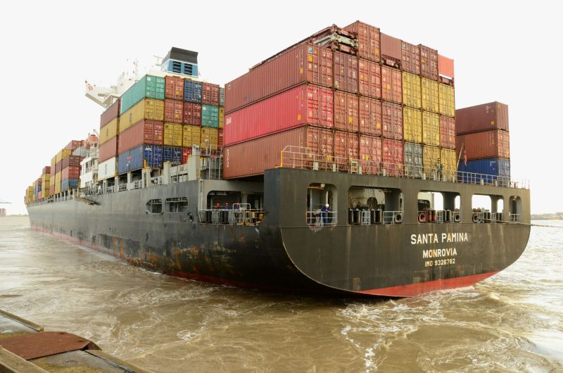 Diana Containerships Announces Boxship Delivery