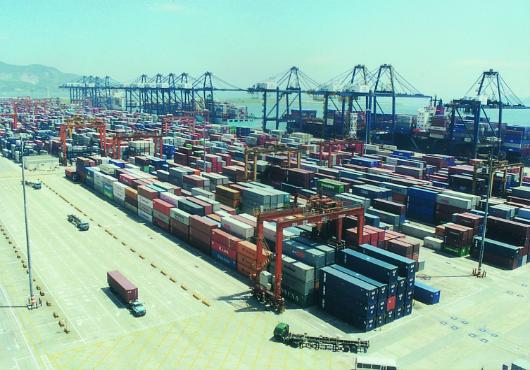 Shippers pay US$333/TEU more shipping via Hong Kong than Shenzhen