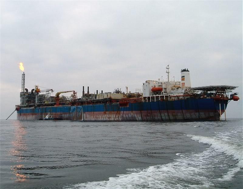 "Radioactive ship ""FPSO Kuito"" nearing Turkish port for scrap"