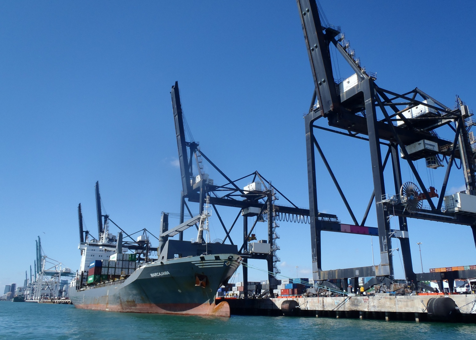 Record spot rates to US east coast as shippers seek peace of mind