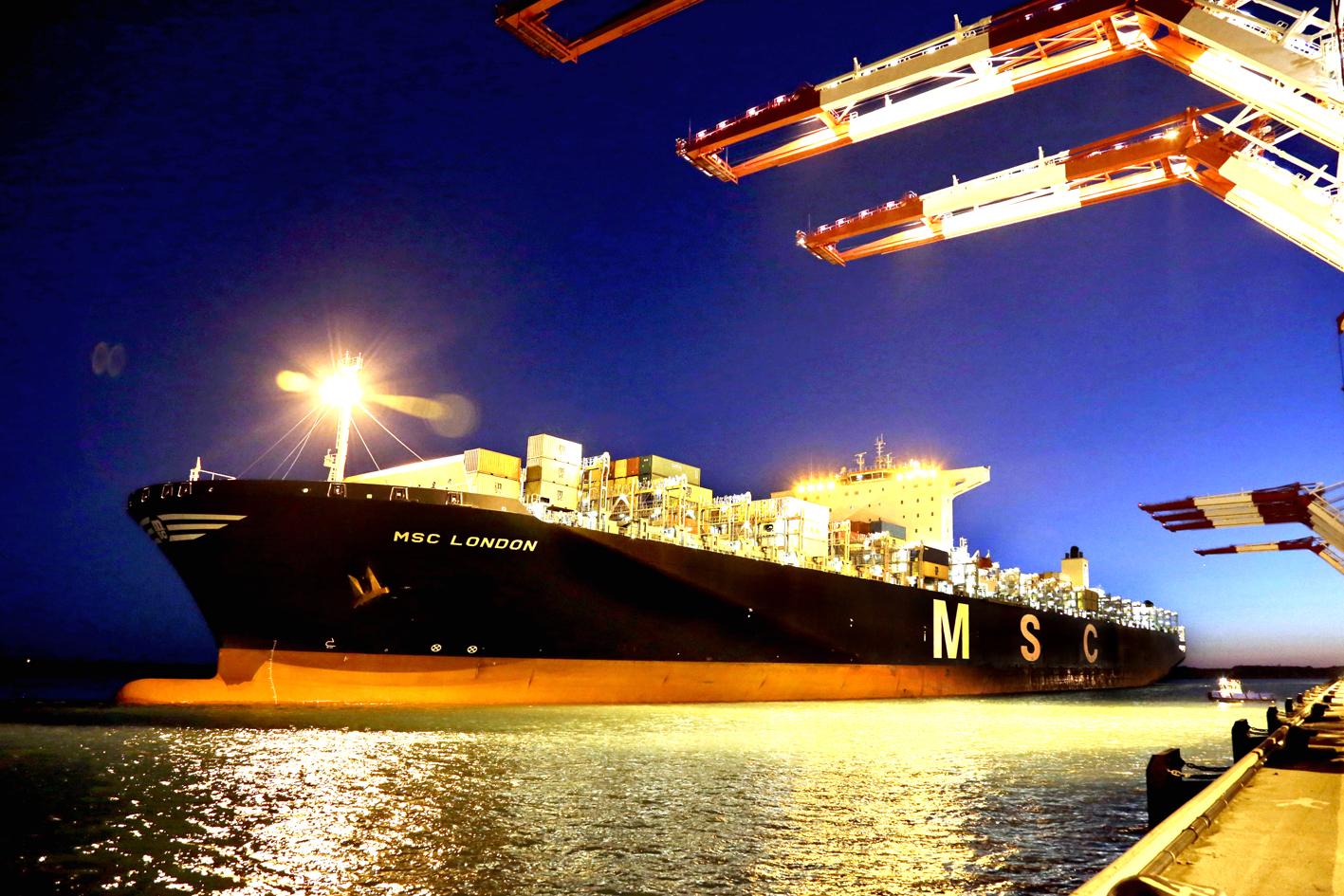 Hutchison's Barcelona box shop docks port's biggest, 16,600-TEU MSC London