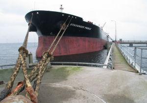 Cross-Mediterranean Aframax rates sink to near 5-month low on abundant tonnage