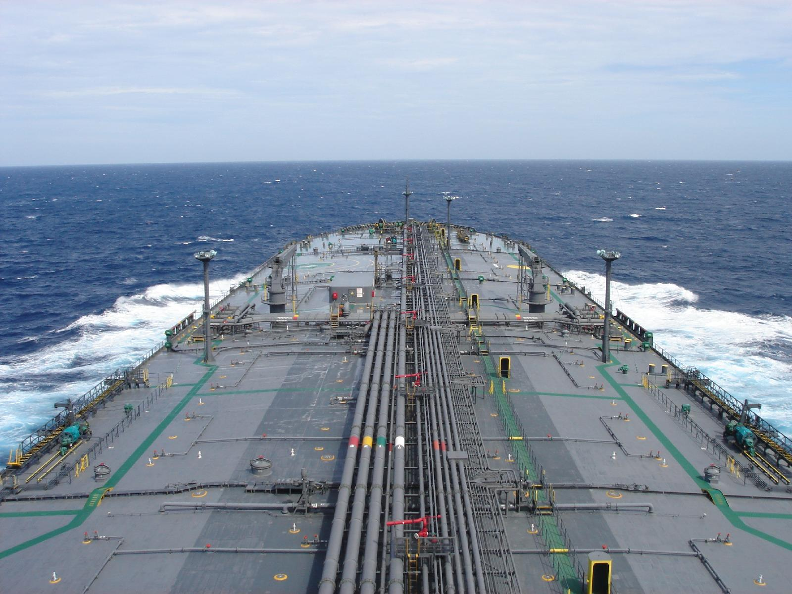 Supertankers Speed Up As Crude Oil Prices Fall