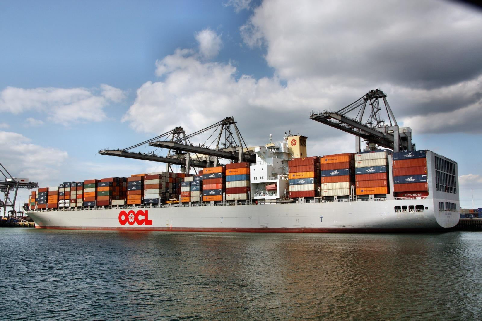 Global Ship Lease buys 8,063-TEUer from OOCL then charters it back