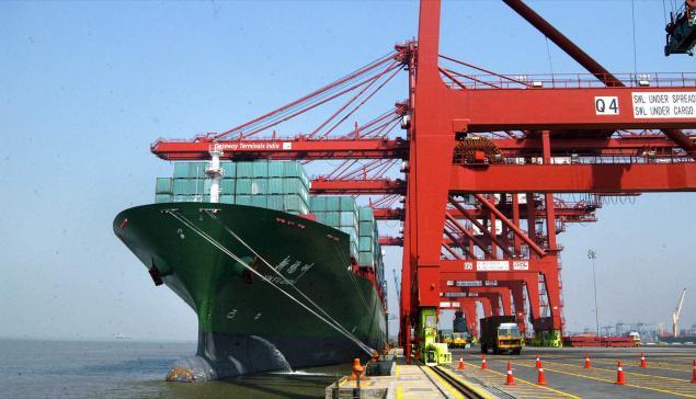 Mumbai's Jawaharlal Nehru Port plans to raise funds for major upgrade