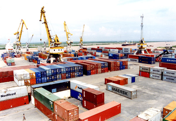 Vietnam ports make double-digit gains in 2014 as China slows in single-digits