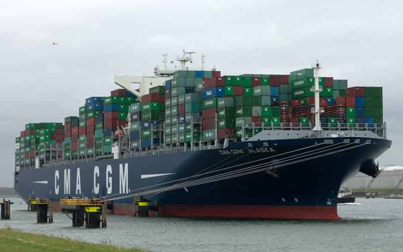 CMA CGM plays catch-up with MSC, Maersk, orders six 14,000-TEUers