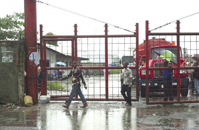 Pirates murder four policemen at Nigerian port