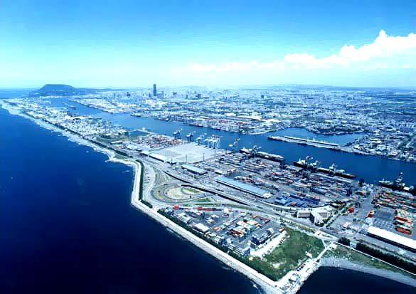 Taiwan's Kaohsiung port seeks international bidders for box ship berths