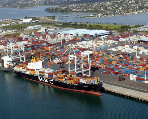 Tauranga port invests in dredging, expansion to handle 6,000-TEU ships