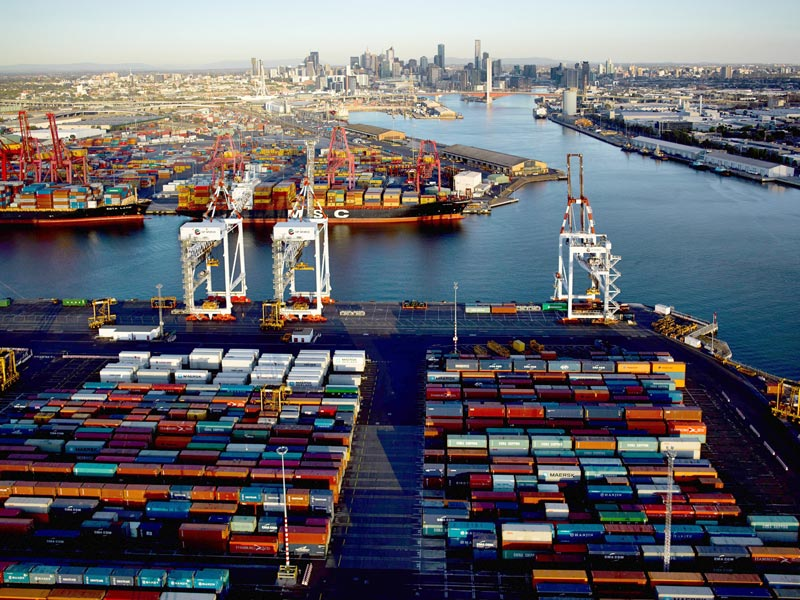 Lacking rail, Melbourne to be surpassed by Sydney as biggest box port