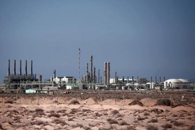 ISIS attack on Libyan oil port repulsed by leading government claimant