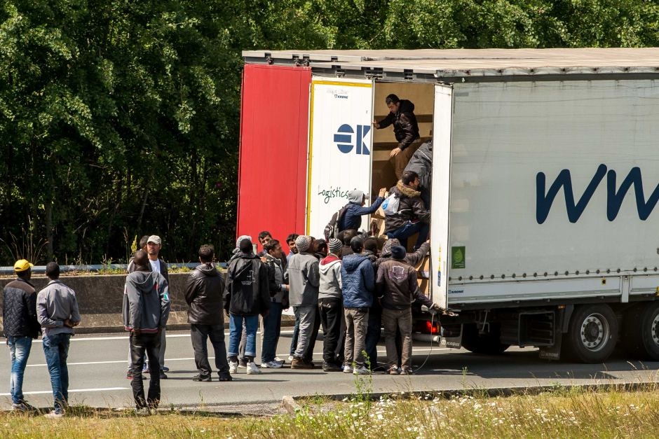 Migrants aggressively target freight vehicles as chaos returns to Calais