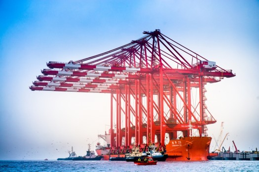 Ship-to-shore cranes arrives at Mersey for Liverpool2