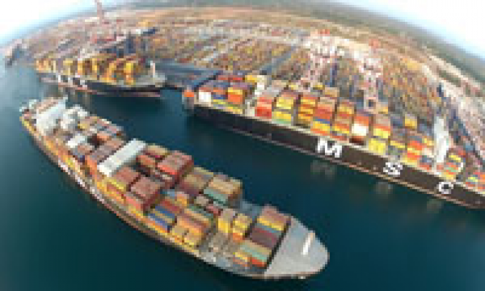 Container liners expected to shift focus more on ultralarge boxships: Alphaliner