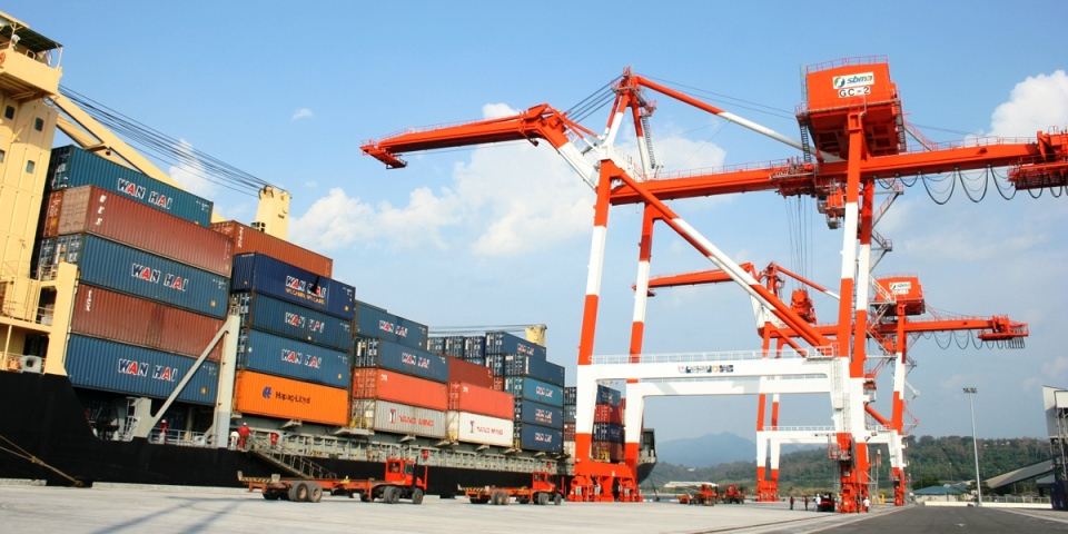 Subic's NCT2 marks a milestone by taking delivery of 100,000th TEU