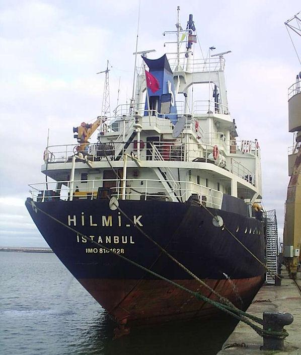 Turkish freighter Hilmi-K went aground in the Izmir-Yenikale area