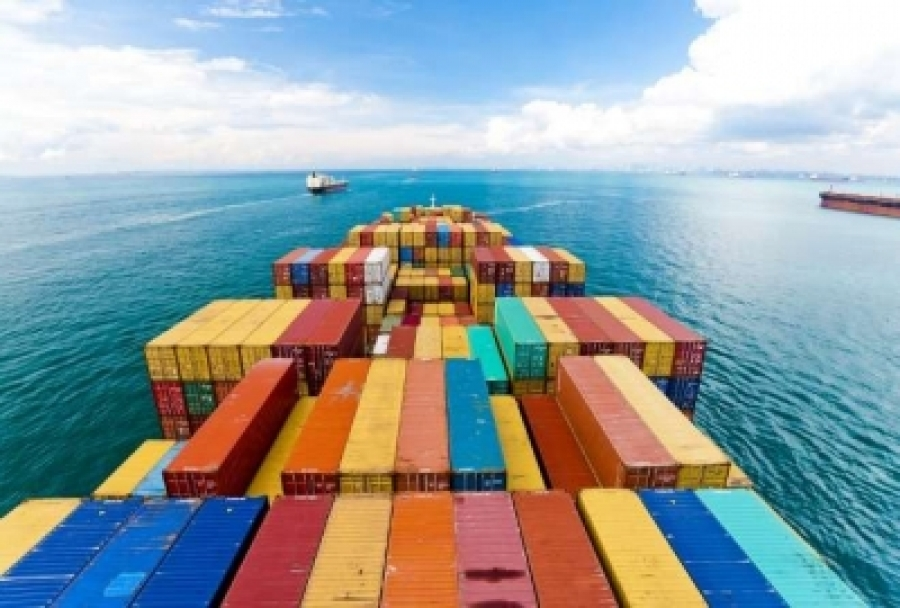 Eco lobbies tell shipping to cut CO2 emissions as climate conference opens