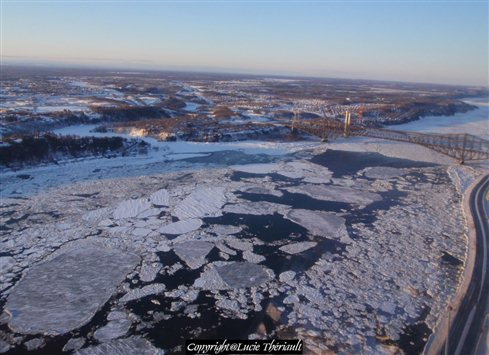 Dash to get out of St Lawrence Seaway as winter freeze-up approaches