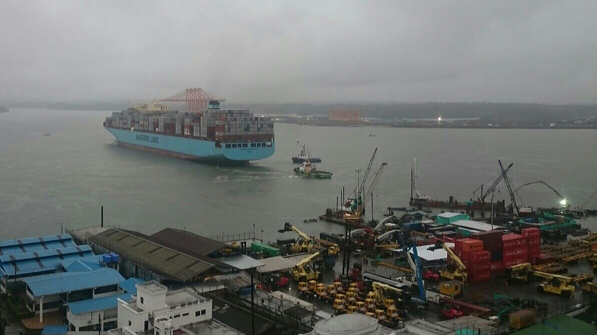 New panamax 13,102-TEUer now biggest to dock at Buenaventura, Colombia