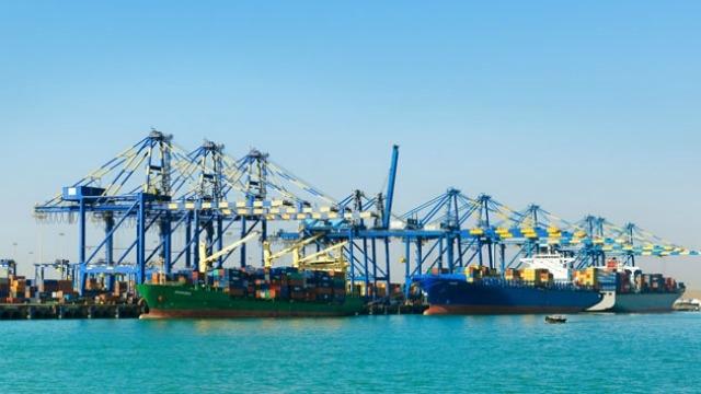 Adani Ports to develop Mundra transshipment hub to challenge Mumbai