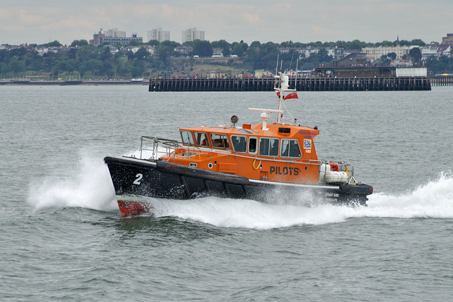 Revived Thames shipping activity prompts recruitment of 12 river pilots