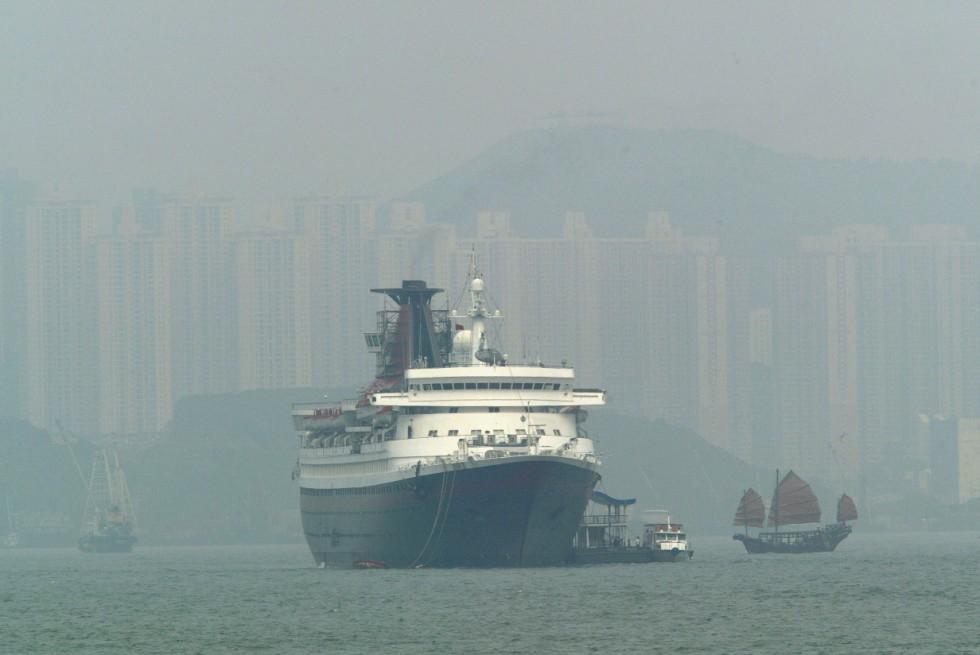 HK dockside sulphur emissions fell 37pc since berthing fuel rule kicked in