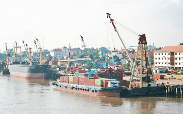 Cambodia plans to expand its ports to reach 700,000 TEU capacity
