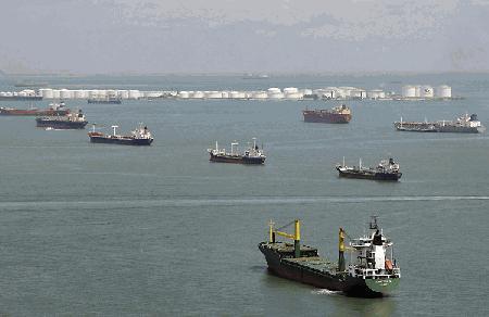 Idle boxship fleet reaches record high of 1.6 million TEU