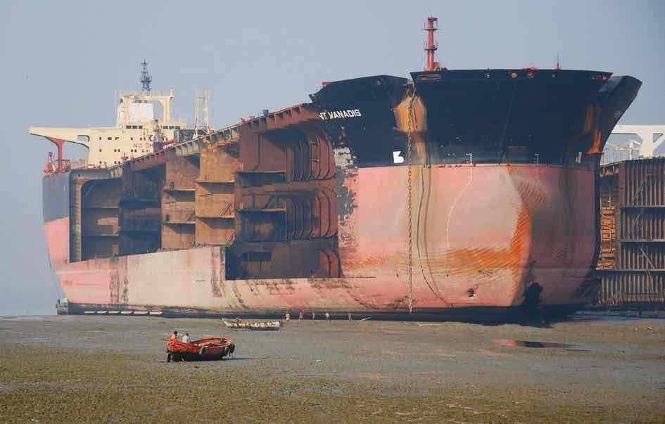 High level of ship demolition continues despite low scrap prices