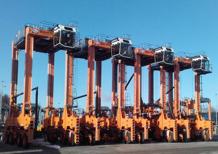 Kalmar to deliver 9 diesel-electric straddle carriers to Hamburg